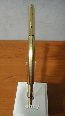 CARAN d'ACHE ECRIDOR CHEVRON FOUNTAIN PEN 958 208 GOLD PLATED WITH BOX