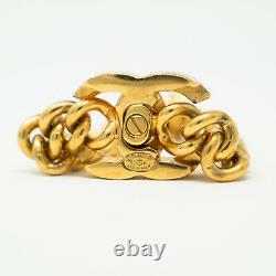 CHANEL 1995 A Fall Vintage Gold-Plated Curb Chain CC Logo Turnlock Bracelet 8.5