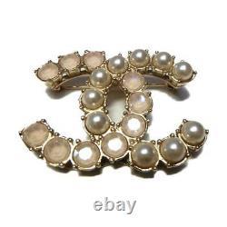 Broche Chanel Broche 17b Épingle Brochée Plating Perle Artificielle Or Utilisé