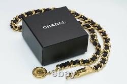 Chanel CC Plaqué Or Chaîne En Cuir Noir Médaillon Ceinture