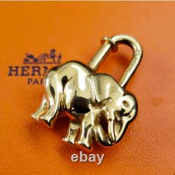 Hermes Or Plaqué Éléphant Cadenasa Sac Charm #1542be Rise-on