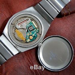 Heuer Vintage 1970 Kentucky Quartz Eta Esa 9362 Original En Acier Bi-métal Doré