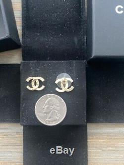 Petit Authentique Chanel Or CC Logo Cristal Boucles D'oreilles Rare
